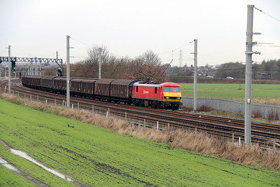 2) 90 036 at Winwick Junction on 19th December 2013 working 6M02 0634 Shieldmuir to Warrington RMT