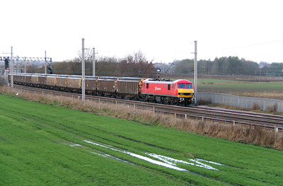 90 036 at Winwick Junction on 19th December 2014 (4)