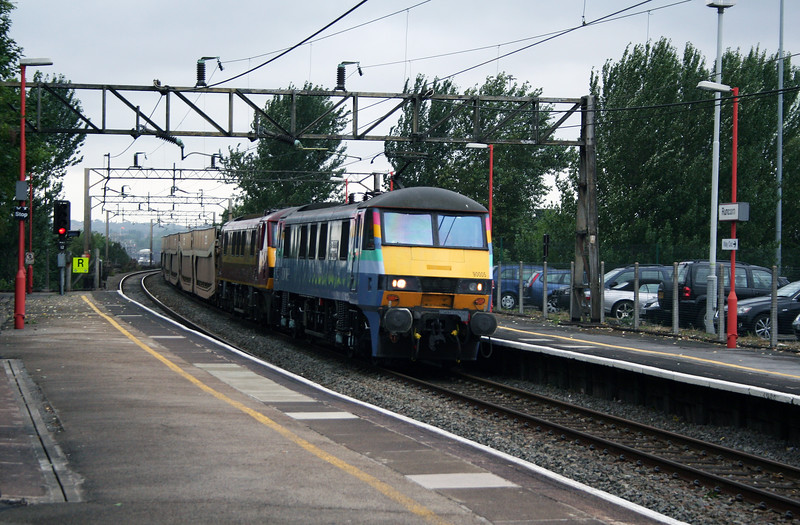 90 005 & 90 034 at Runcorn on 2nd August 2006 (1)