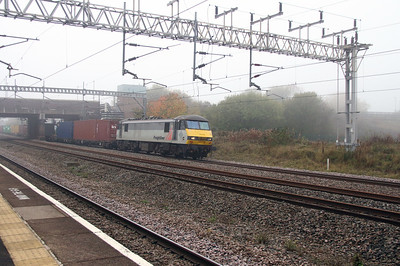 90 048 at Tamworth Low Level on 2nd November 2015