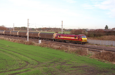90 028 at Winwick Junction on 2nd December 2014 (10)