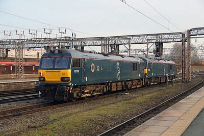 92 038 at Crewe on 27th December 2016
