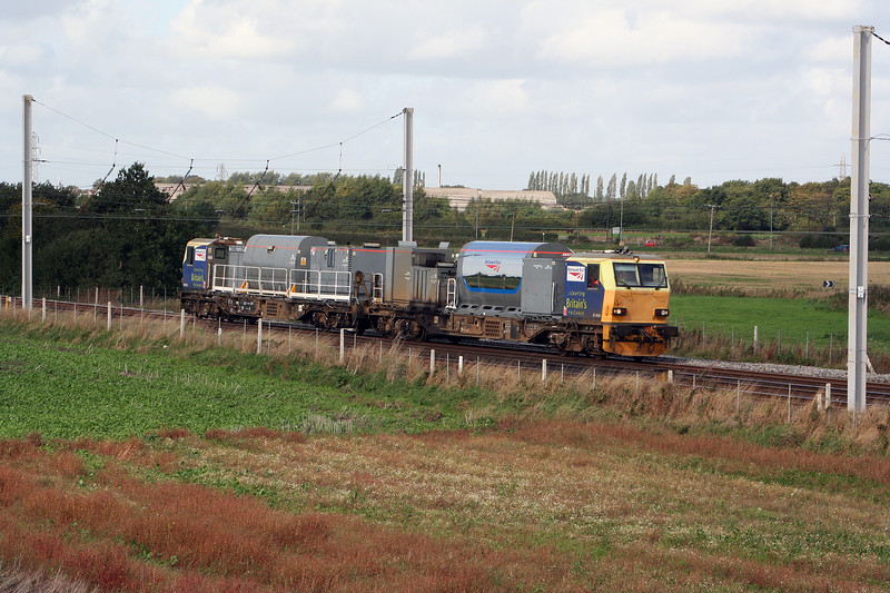 DR98901 at Winwick Junction on 19th September 2010 (2)