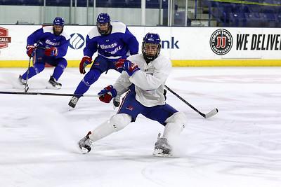 UMass Lowell Hockey Prcatice 030817