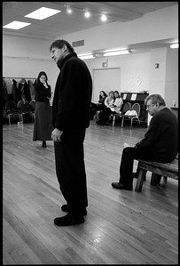 """USA. New York City. Virginia Theatre. 2002.  Actors Liam NEESON and Laura LINNEY during a rehearsal of the Arthur MILLER play """"The Crucible""""  directed by Richard Eyre. Miller's most produced play has been performed numerous times since it first opened on January 22, 1953."""