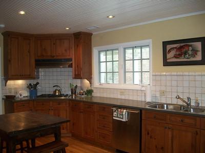 4530 Jettridge Kitchen - Bedroom