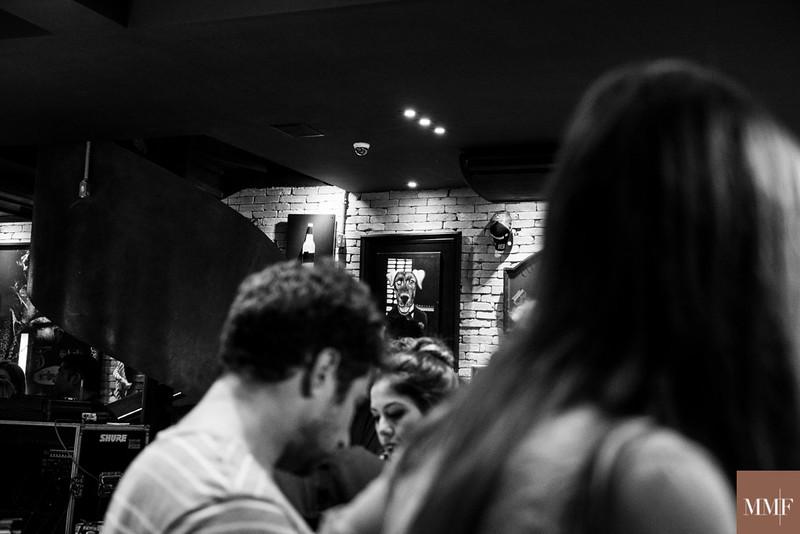 Coletivo Missa e Alinne Rosa na Barbearia Dom Corleone. São Paulo, 13/09/2015. Foto&©: Flavia Medina.