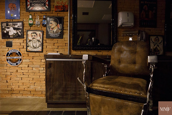 Coletivo Missa e Alinne Rosa na Barbearia Dom Corleone. São Paulo, 13/09/2015. Foto&©: Murillo Medina.