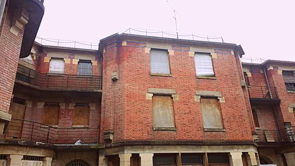 Youth hostel (01/2016)