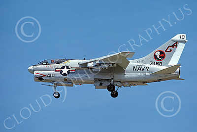 A-7USN 00136 A landing Vought A-7E Corsair II USN 157468 VA-12 FLYING UBANGIS USS Independence 8-1976 military airplane picture by Michael Grove, Sr