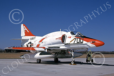A-4USN 00135 A static Douglas A-4E Skyhawk attack jet US Navy 150031 VT-7 EAGLES USS Lexington NAS Willow-Grove 4 March 1990 military airplane picture by Barry E Roop