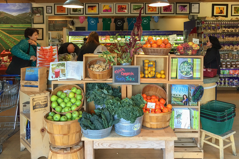 Things to do in Carmel California | Have lunch at the Earthbound Farms farm stand