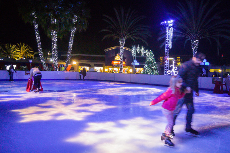 Ice skating on Snowflake Lake | WinterFest at California's Great America