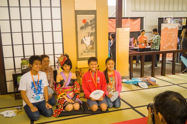 Ryokan exhibit at J-Pop Summit 2015