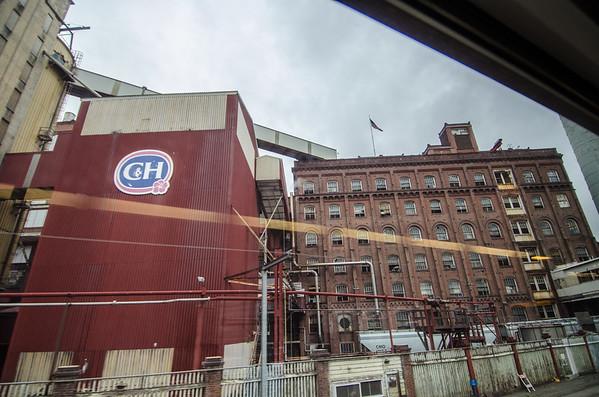 C&H Sugar Factory in Benicia | Amtrak California Capitol Corridor