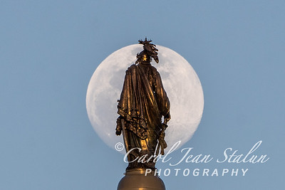 Full Moon at Statue of Freedom 2