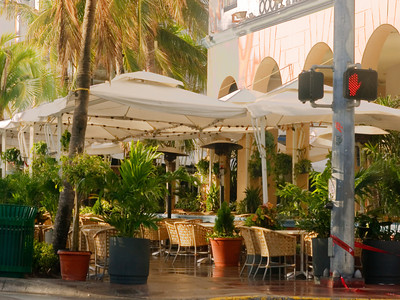 South Beach sidewalk cafe