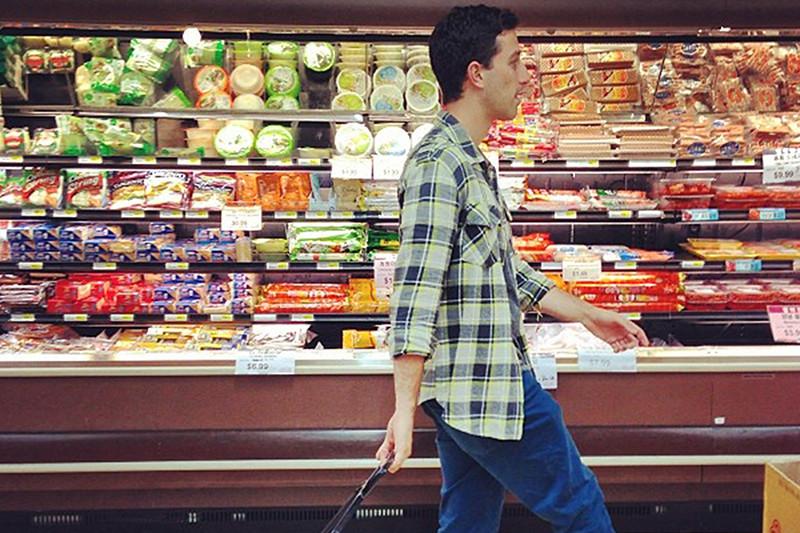 Callan Wienburg in a grocery store