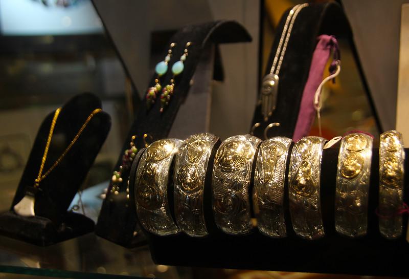 Juneau Alaska, Local Artisan Jewelry, Raven Eagle Gifts, Mount Roberts Tramway