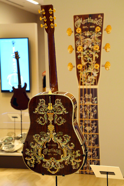 Arizona, Scottsdale, Musical Instrument Museum, Dragons & Vines Exhibition