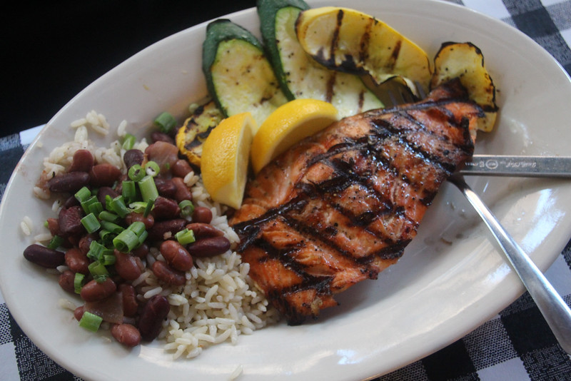 Little Rock, Flying Fish Restaurant, Grilled Salmon