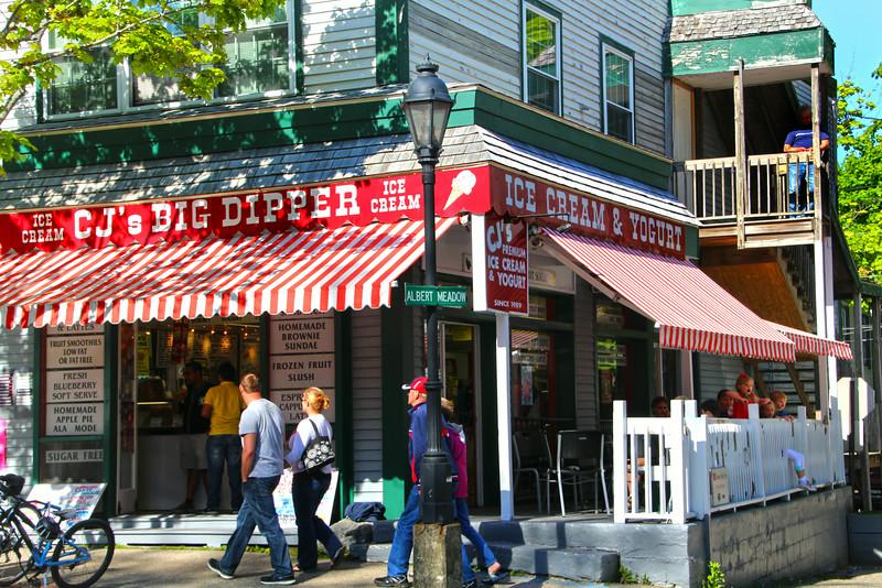 Bar Harbor Maine, Colorful Ice Cream Shoppe