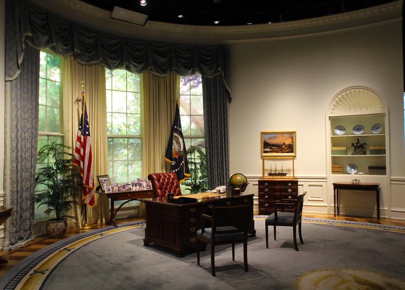 Brenham-Washington County Texas, George Bush Presidential Library & Museum, Oval Office Replica