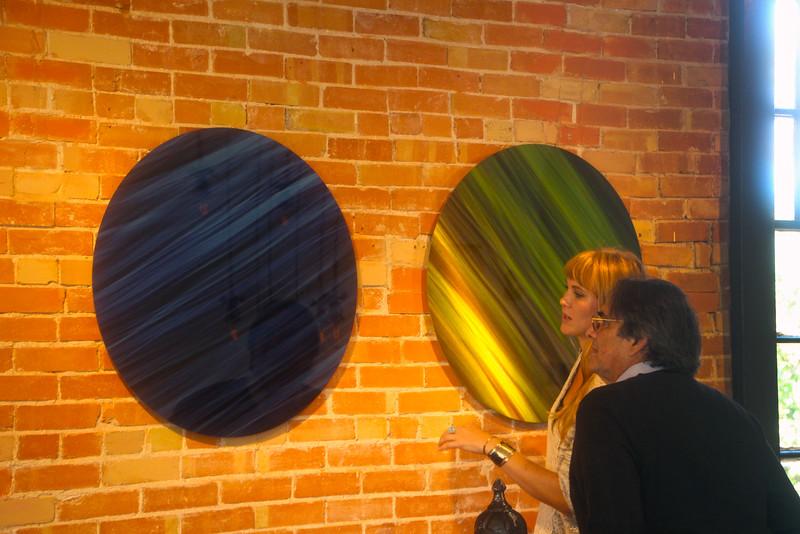 Fredericksburg Texas, Vaudeville Art Gallery, Rodolfo Choperna Exhibit
