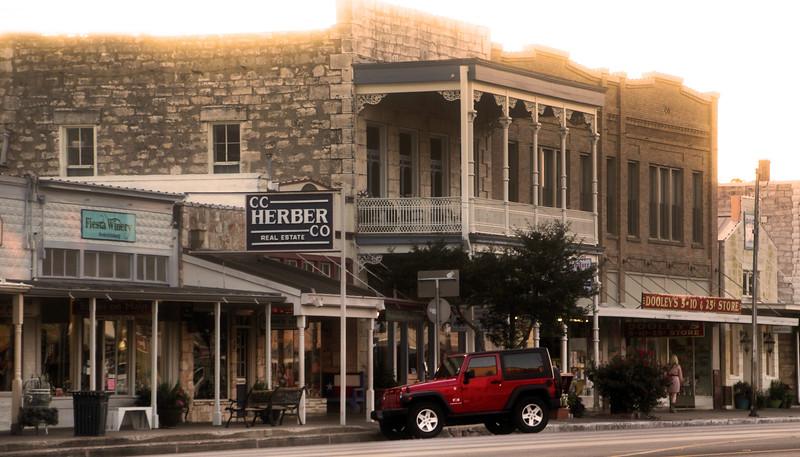Fredericksburg Texas, Old & New Street Scene