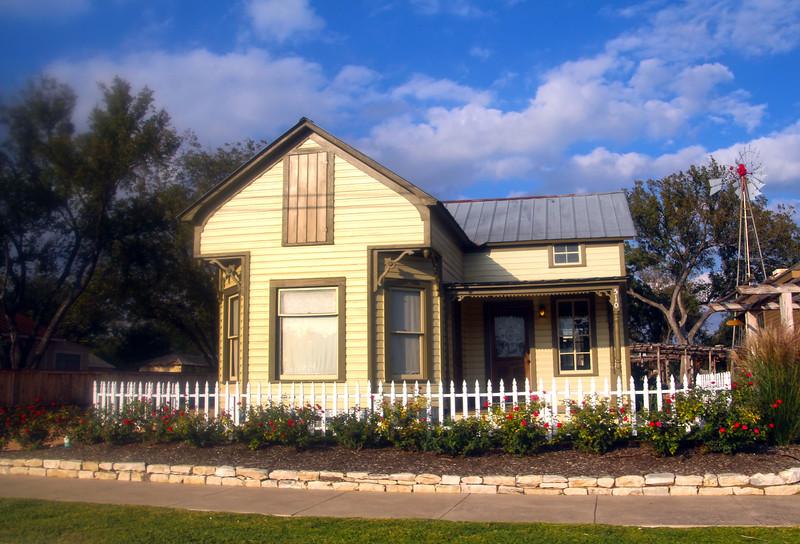 Fredericksburg Texas,  Typical Old Farm House