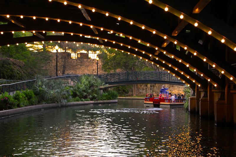 San Antonio Texas, Tunnel Reflections