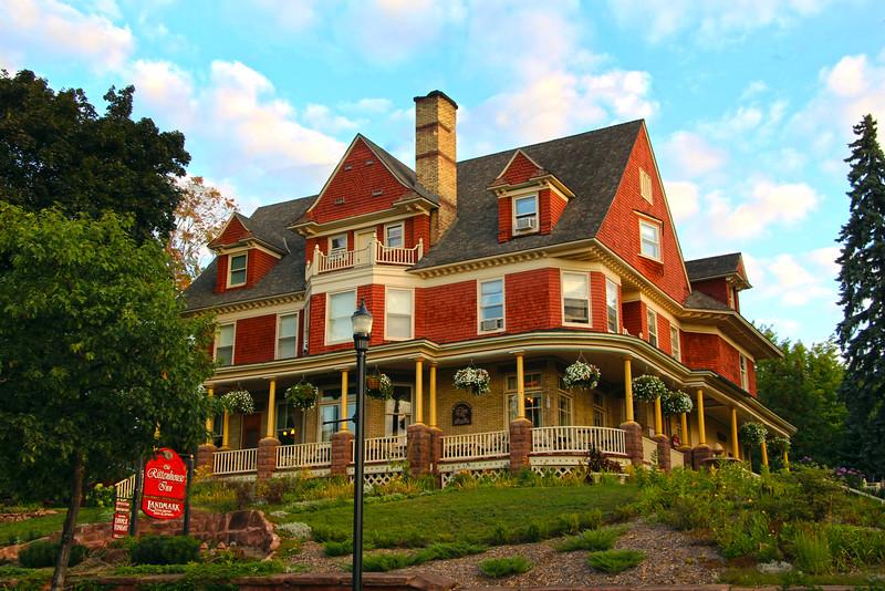 Bayfield Wisconsin, Old Rittenhouse Inn, Street View