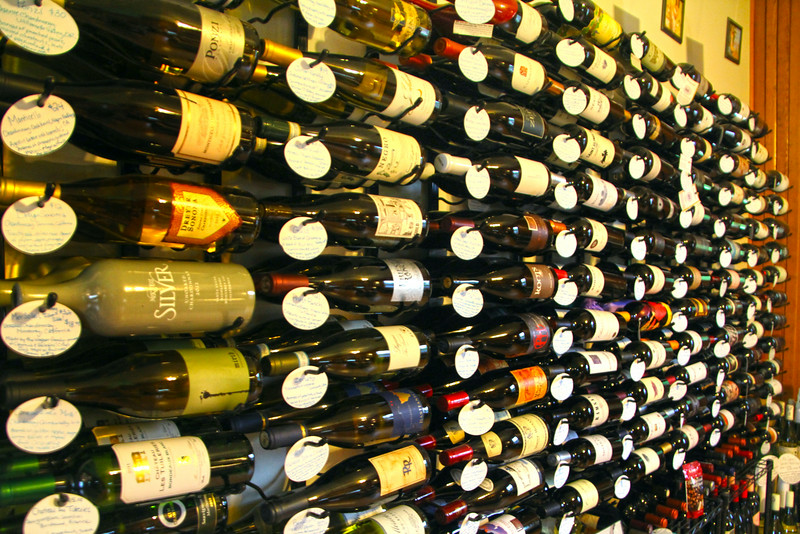 Elkhart Lake Wisconsin, Vintage Elkhart Lake Wine Shop & Tasting Bar