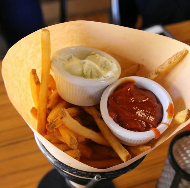 Milwaukee Wisconsin, Fries with Dip, Benelux Restaurant