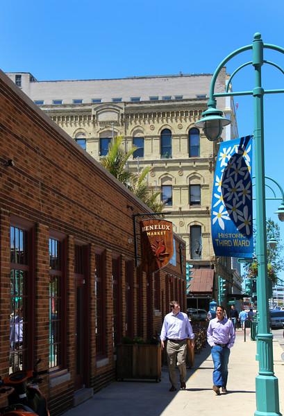 Milwaukee Wisconsin, Third Ward Street Scene