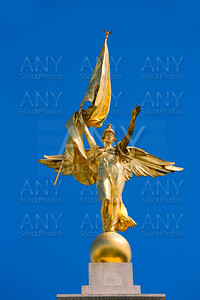 Gold winged Victory statue World War I memorial