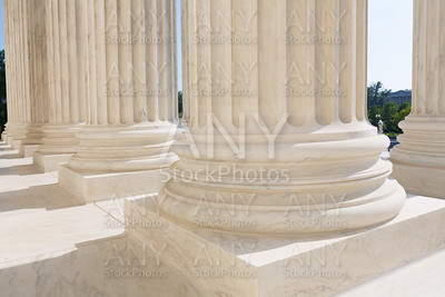 Supreme Court of United states columns row