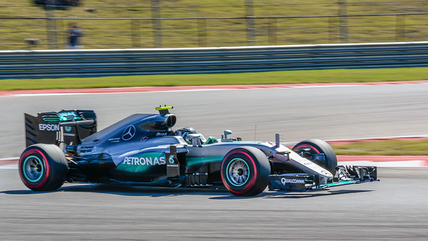 The Formula 1 qualifying session on Day 2 of the 2016 Formula 1 United States Grand Prix at Circuit of the Americas in Austin, TX.