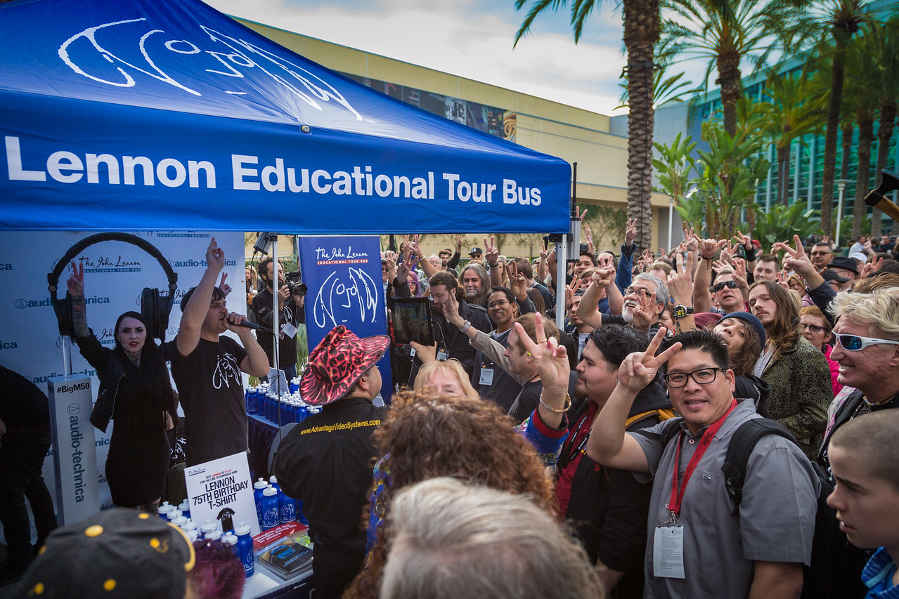2016_01_22, Anaheim, CA, Convention, JLSC, JLSC Winner, NS16, The NAMM Show 2016, Giveaways, Crowd, lb.org