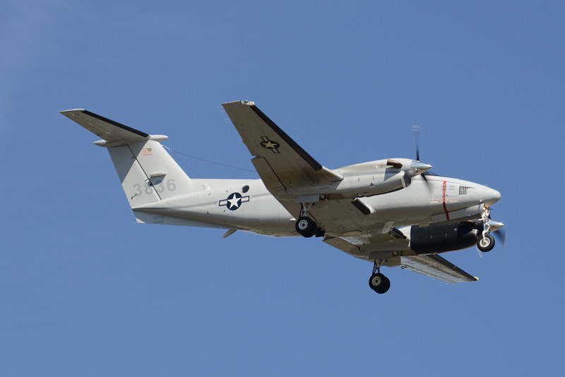 163836<br /> UC-12M<br /> c/n BV-1<br /> Beaufort<br /> <br /> 4/10/16 ADW