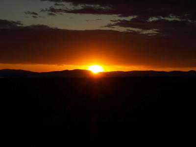 Sunrise from Yosemite Gateway Motel in Lee Vining, CA, USA