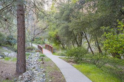 Yosemite Cedar Lodge Hotel - El Portal, CA, USA