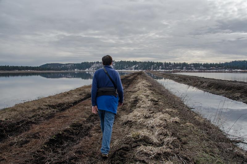 Hiking on the Skillet Handle peninsula, a trail near Running Y Ranch, Klamath Falls, Oregon