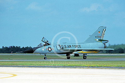 F-106AUSAF 00149 A taxing Convair F-106A Delta Dart USAF 90065 49th FIS CAVALIERS AND GREEN EAGLES Tyndall AFB Tyndall AFB 10-1980 military airplane picture by L B Sides