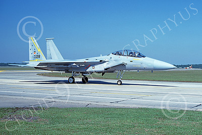 F-15USAF 00033 A taxing McDonnell Douglas F-15 Eagle jet fighter USAF 76128 5th FIS SPITTEN KITTENS Tyndell AFB 10-1984 military airplane picture by Clark Hansen