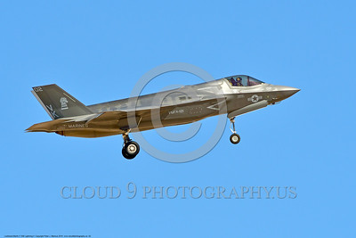 F-35USMC 00002 A landing Lockheed Martin F-35 Lightning II USMC 169166 VMFA-121 GREEN KNIGHTS VK tail code stealth jet fighter 7-2016 military airplane picture by Peter J  Mancus