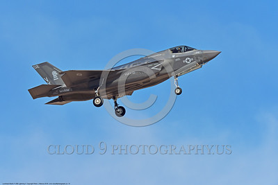 F-35USMC 00014 A landing Lockheed Martin F-35B Lightning II USMC 169166 VMFA-121 GREEN KNIGHTS VK tail code stealth jet fighter 7-2016 military airplane picture by Peter J  Mancus