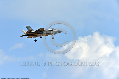 F-35USMC 00044 A landing Lockheed Martin F-35B Lightning II USMC 169165 VMFA-121 GREEN KNIGHTS VK tail code stealth jet fighter 7-2016 military airplane picture by Peter J  Mancus