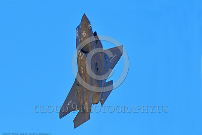 F-35USMC 00014 A flying Lockheed Martin F-35B Lightning II USMC 169168 VMFA-121 GREEN KNIGHTS VK tail code stealth jet fighter 7-2016 military airplane picture by Peter J  Mancus