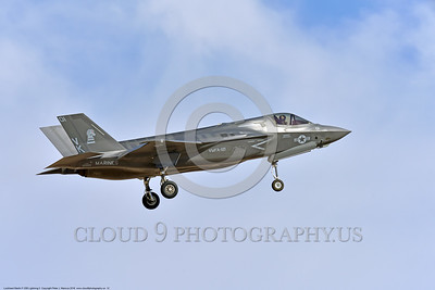 F-35USMC 00012 A landing Lockheed Martin F-35B Lightning II USMC 169165 VMFA-121 GREEN KNIGHTS VK tail code stealth jet fighter 7-2016 military airplane picture by Peter J  Mancus
